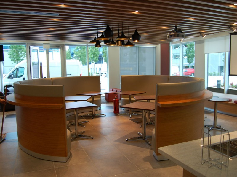 Fluor Cafe Breakout Seating