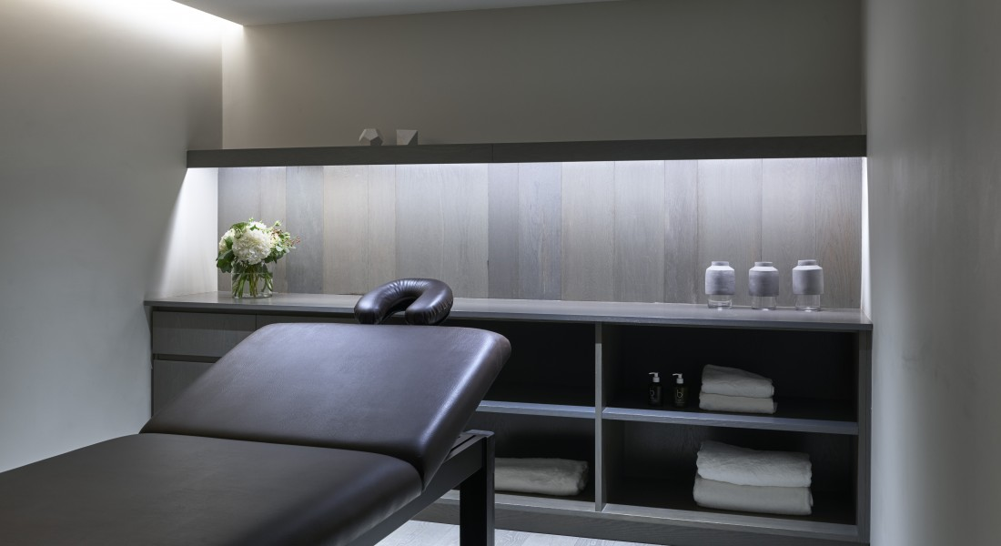 Fitzroy Place Residents Facilities Treatment room  Interior design: Johnson Naylor