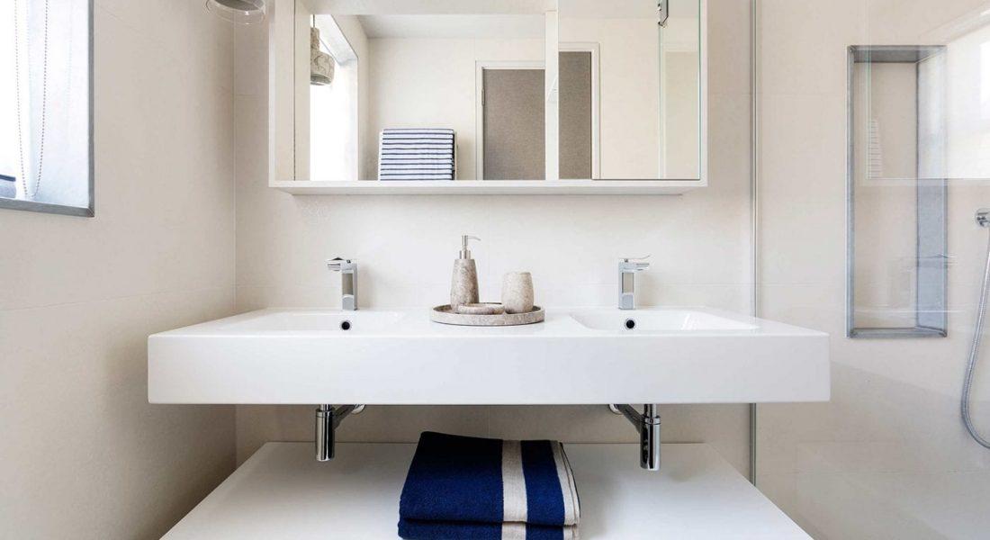 Homefield Road Bathroom Cabinet